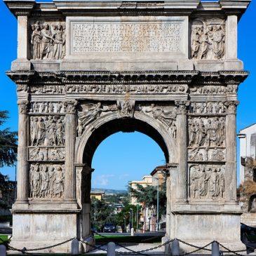 Arco di Traiano di Benevento protagonista alla mostra  sull'imperatore Traiano