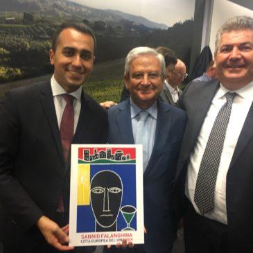 Vinitaly, il Ministro Di Maio ed i governatori Zaia e De Luca brindano a Sannio Falanghina, città europea del vino 2019