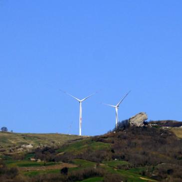 Fronte Sannita per la Difesa della Montagna: Il Comune di Cerreto Sannita chiede i danni per l'installazione delle pale eoliche dell'impianto di Morcone
