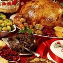 Il Natale degli italiani? È all'insegna dello sperpero: durante le feste si sprecano soprattutto cibo, imballaggi per i regali ed energia