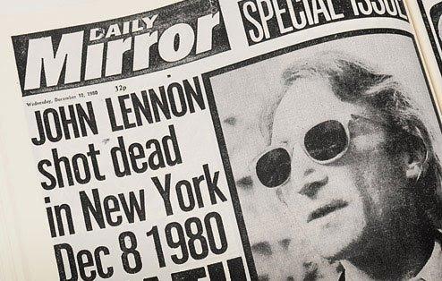 Accadde oggi: 8 dicembre 1980, John Lennon assassinato da quattro colpi di pistola