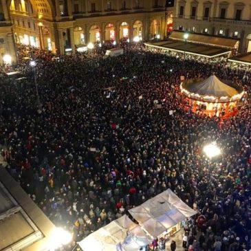 """Chi sono le """"sardine"""" anti-Salvini e l'ultima manifestazione a Firenze"""