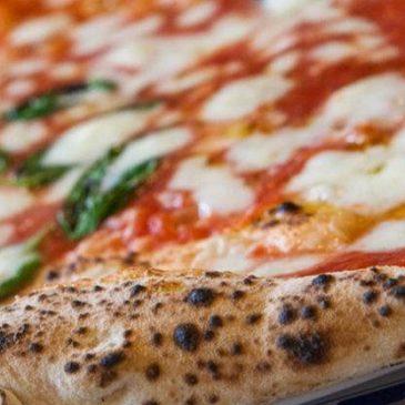Oggi è la Giornata mondiale della Pizza napoletana, il cibo più buono al mondo
