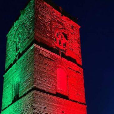 Telese Terme: la Torre Normanna illuminata con i colori italiani