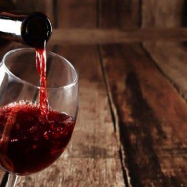 Il vino invenduto diventa gel disinfettante per le mani