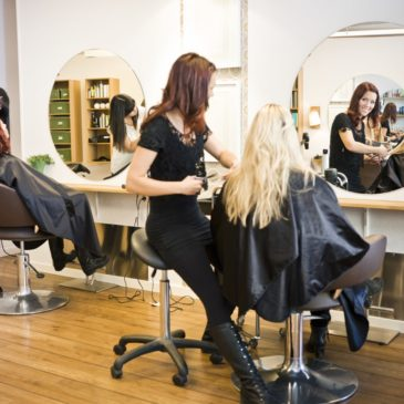Riapertura anticipata e contributi affitti per centri estetici e parrucchieri
