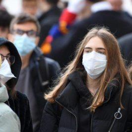 """Campania: """"Continuiamo a usare la mascherina, dobbiamo stare attenti"""""""