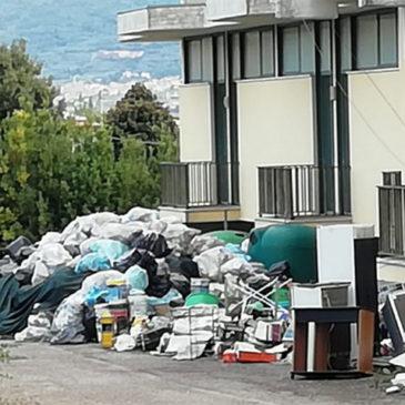 San Salvatore Telesino, discarica a cielo aperto: l'opposizione attacca
