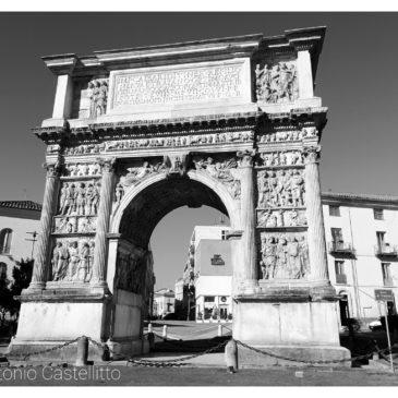 Immagini dal Sannio: l'Arco di Traiano e il Teatro romano di Benevento
