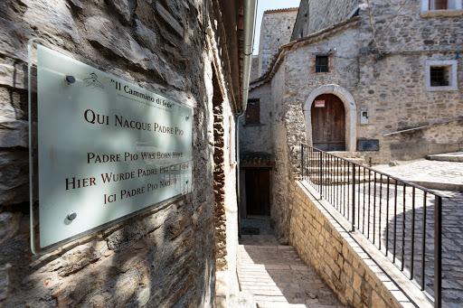 Immagini dal Sannio: Pietrelcina e i santi luoghi di Padre Pio