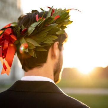 Festa di laurea in Campania, due positivi, si teme focolaio