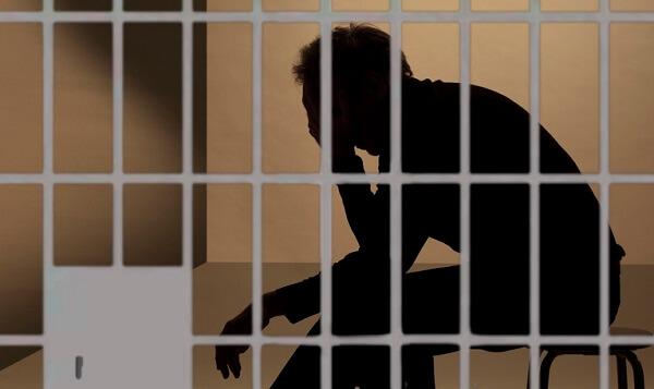 Confessa di aver abusato, picchiato e ucciso bimba di 18 mesi